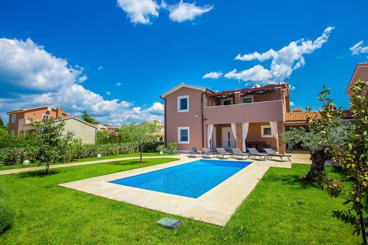 Brand new Villa Mariella with swimming pool