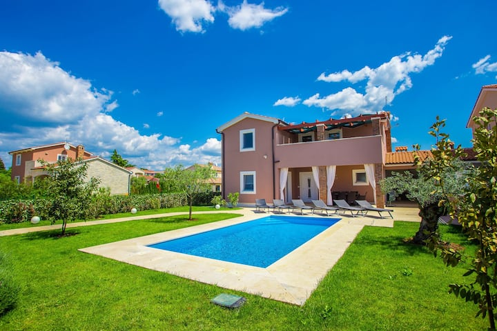 Brand new Villa Mariella with swimming pool