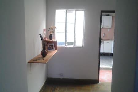 Habitación privada en el centro. Private room - Salta - Hus