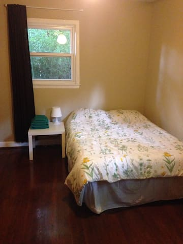 Quiet, Comfortable Room Next to Wake Forest - Winston-Salem - บ้าน