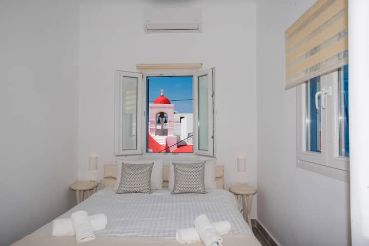 Eleanna's private room in Mykonos Town