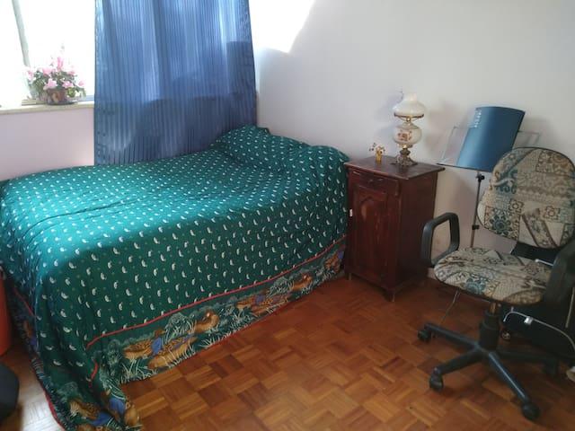 Confortable habitación para una o dos personas