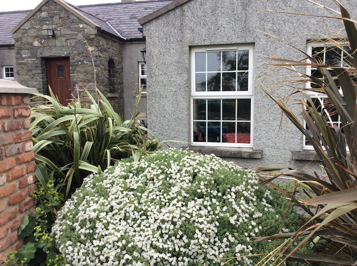 Downpatrick Farmhouse...Private Suite (Certified )