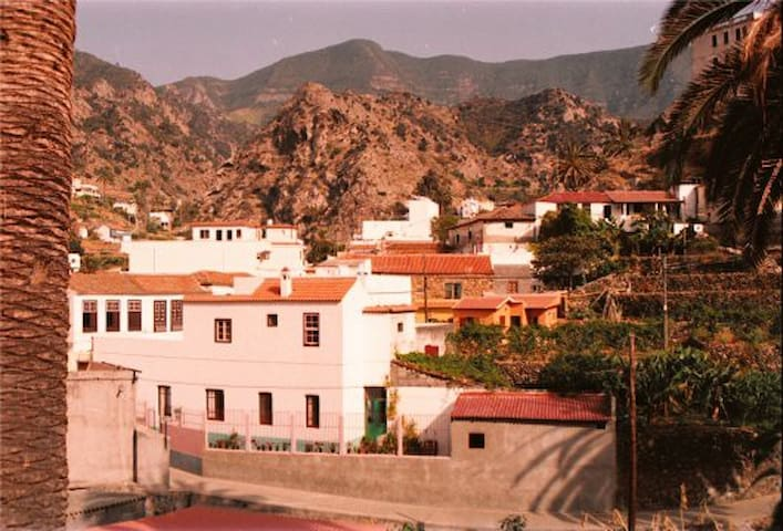 Alojamiento Bernardo - Vallehermoso - Talo