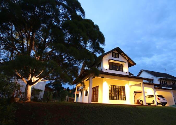 The Pines Cottage - Melaka