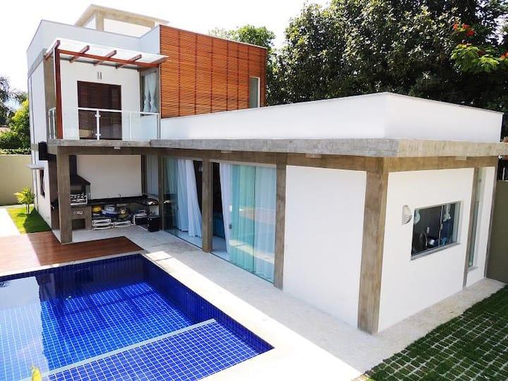 Casa moderna em Maresias 100mt da praia c/piscina