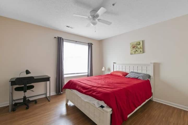 Rooms for rent in Raleigh with private bed & bath