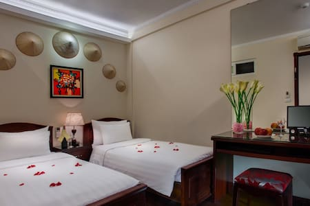 TWIN-BED ROOM in Hanoi' Old Quarter - Hanoi