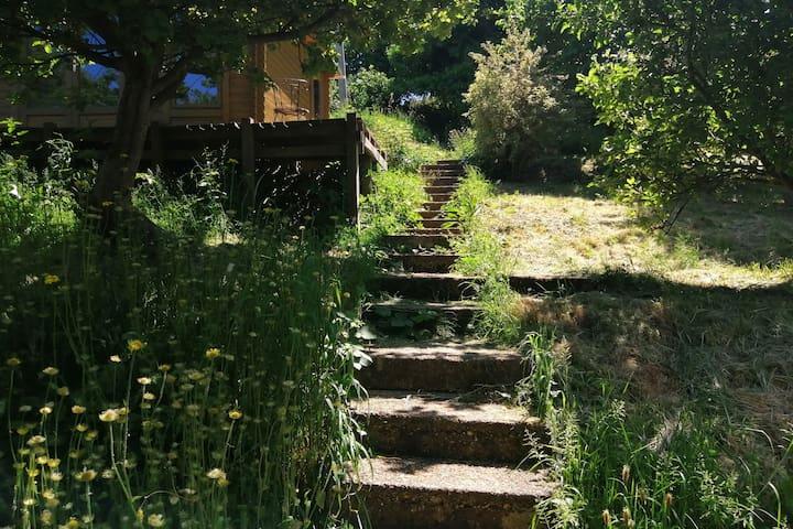 Cosy secluded eco cabin near Brighton