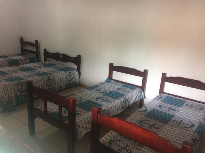 Quarto Hostel Banheiro Compartilhado