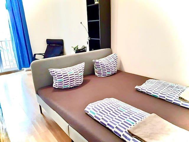 Central/balcony/new big bed/netflix/lift/EnRuGeSk