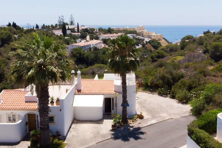 Casa Silver - 2 Bed House Walking Distance To Golf Course & The Beach
