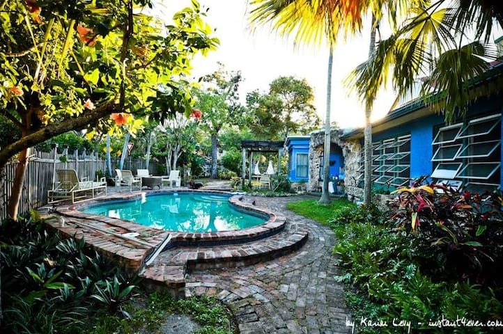 Nature Lovers Guest house @2miles from the beach🛥