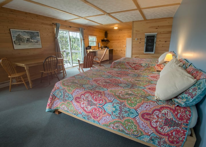 Room 2 - Harbor Watch Inn