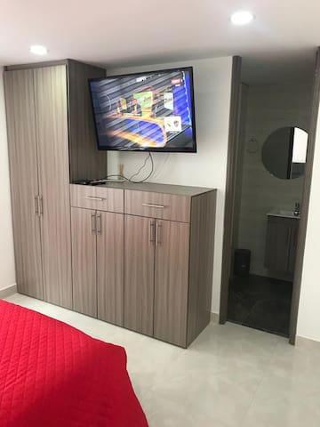 Tv  con cable digital para ver películas, series, noticias etc etc