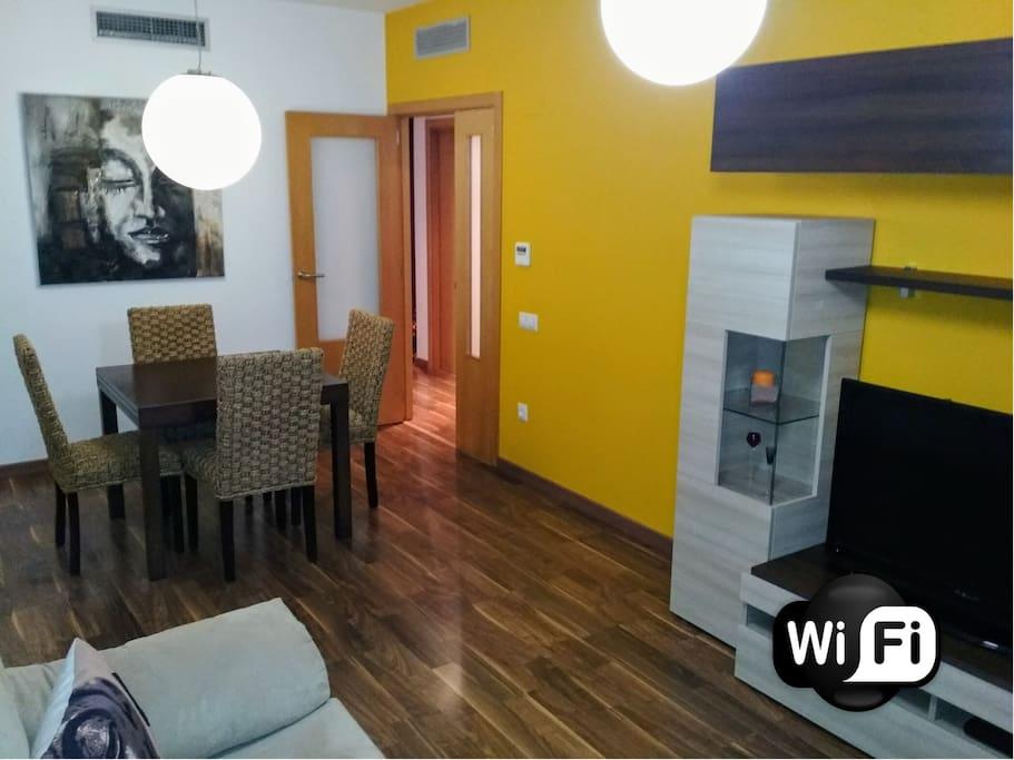 Salón - Comedor ( Wifii alta velocidad / TV / Aire acondicionado / Calefacción )