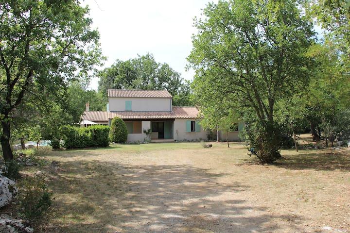 Le ROUCHAS,maison familiale en Ardèche méridionale