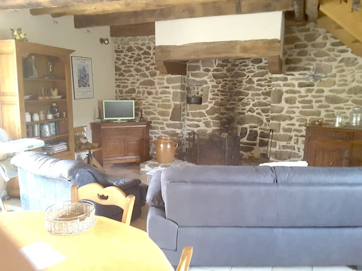Mansion with 2 bedrooms in Miniac-Morvan, with furnished terrace and WiFi