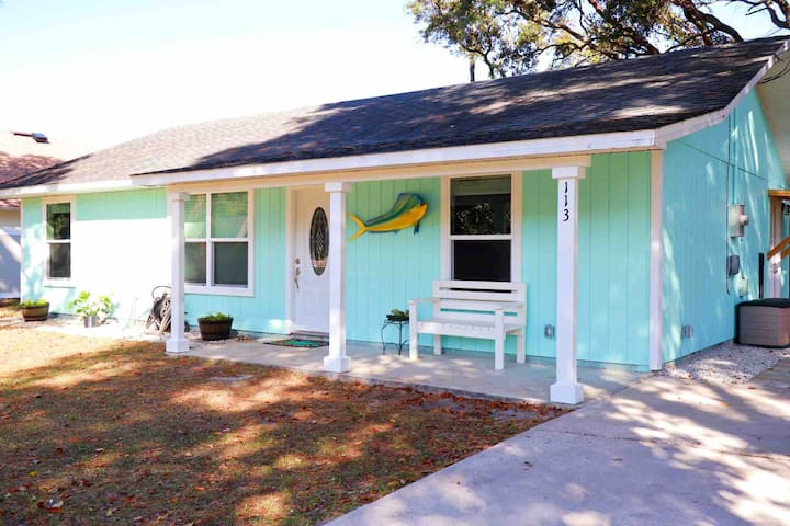 Darling Dory-close to beach and downtown