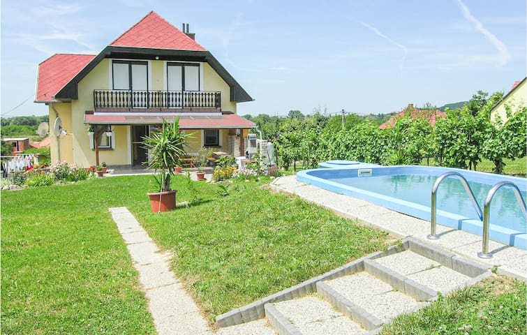 Holiday apartment with 6 bedrooms on 180m² in Balatongyörök