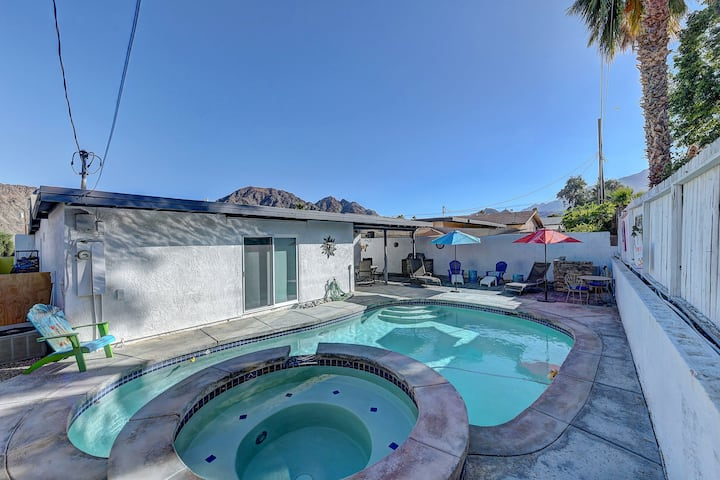 Newly Remodeled Home With Private pool/spa.