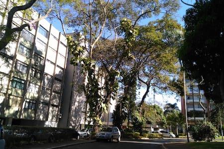 Apartamento na melhor localização de Brasília - Huoneisto