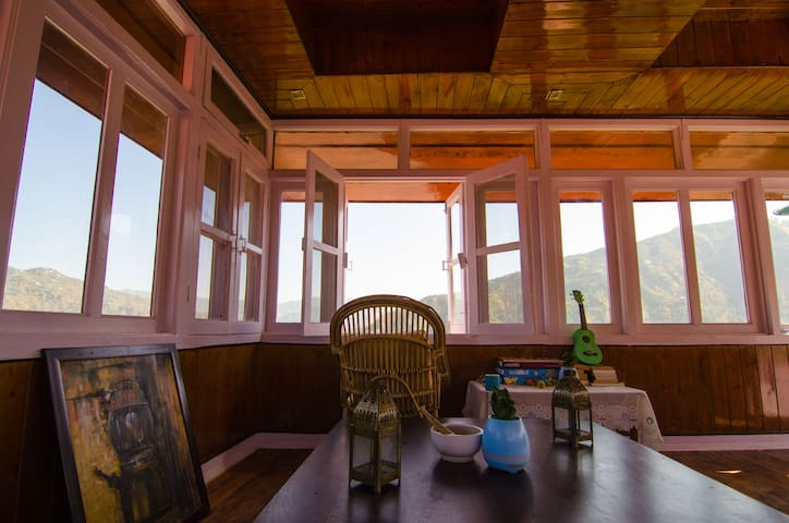 The all-glass attic room for a 360 degree view of the Himalayas. Read, sip on a cup of tea or just gaze into infinity.