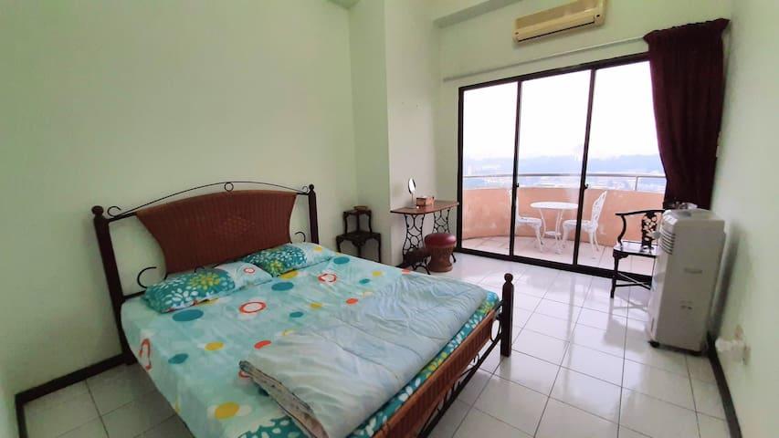 Near General Hospital: 1 Bedroom Apartment