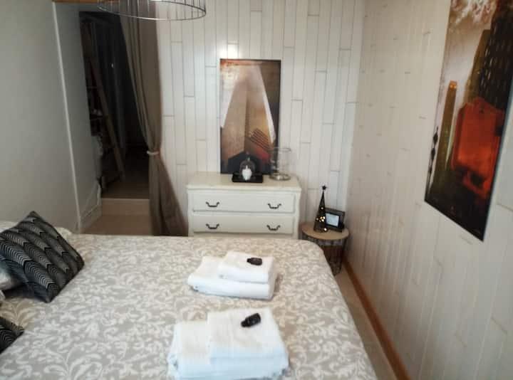 chambre beige poudré