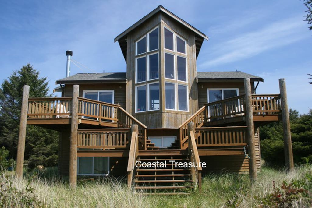Coastal treasure ocean front home houses for rent in for Houses in united states