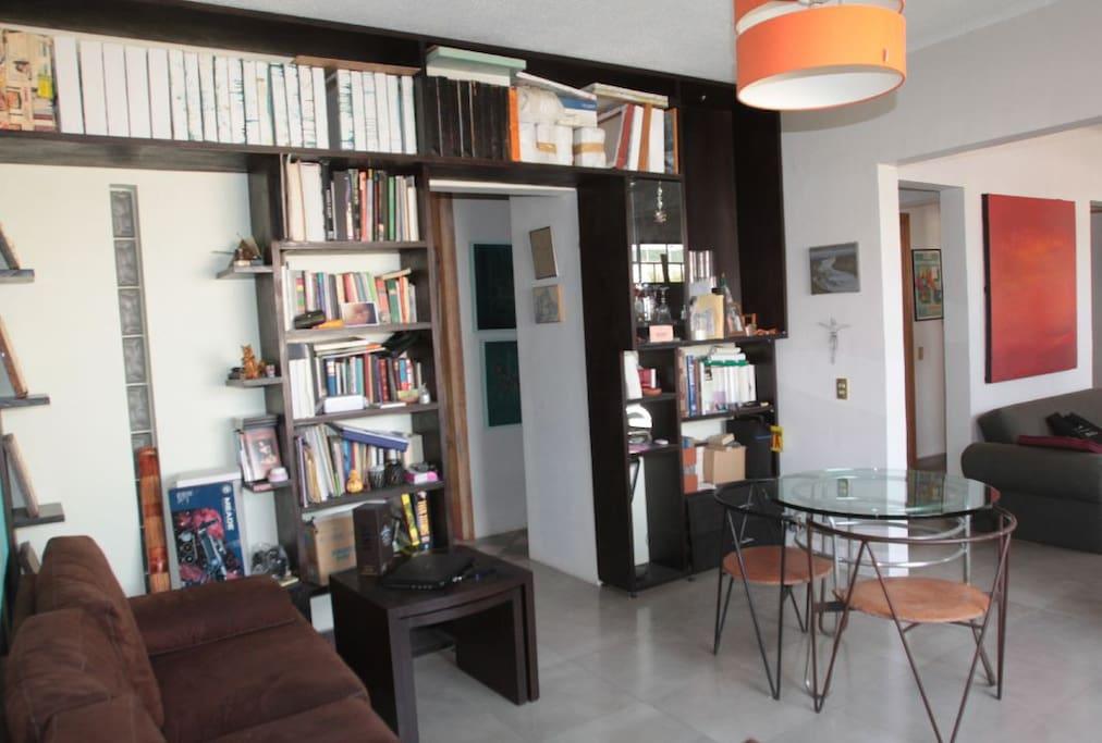 Sala con acceso a la cocina