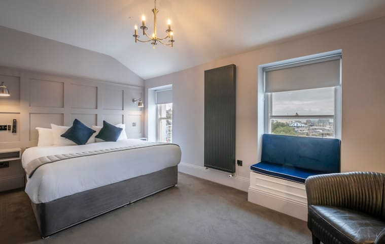Howth Harbour View King Room 11 @ Georgian Rooms