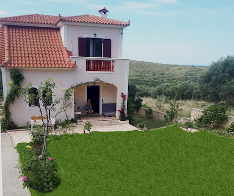 Beautiful villa in Valeriano over Koroni beach