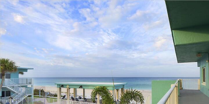 July 3 - 10 holiday at Bradenton Beach, Florida