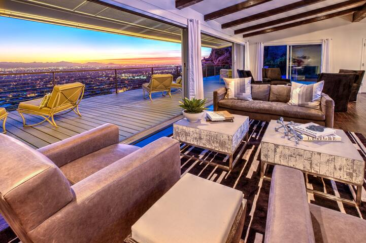 Amazing Views on top Camelback! Luxury! Privacy