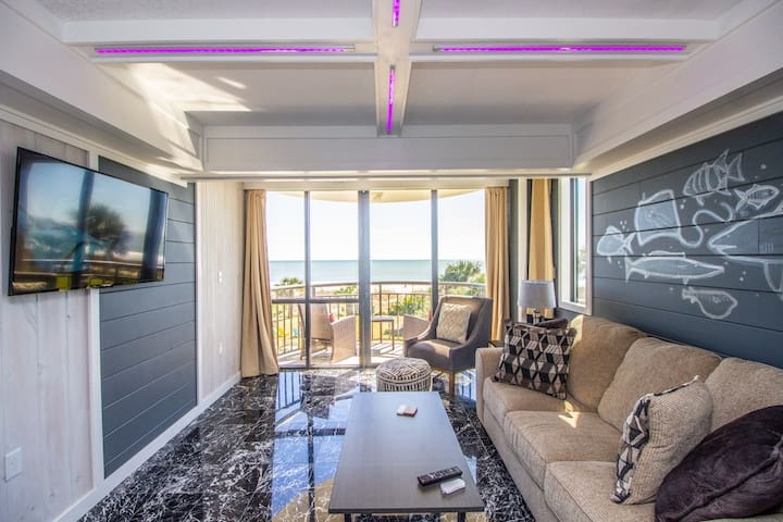 Newly Remodeled Queen Suite - 204 Meridian Plaza