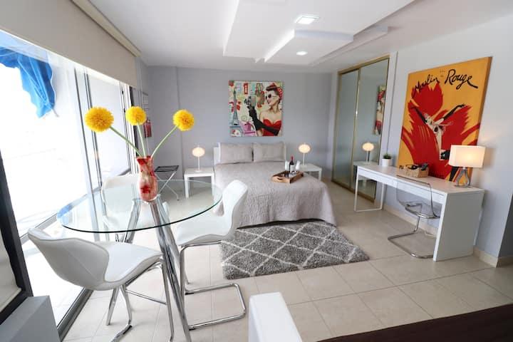 Elegant and Modern Studio Apts. in Isla Verde (9G)