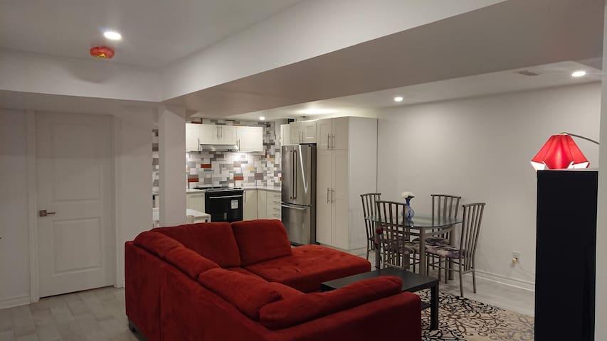 Excellent basement apartment in a quiet area