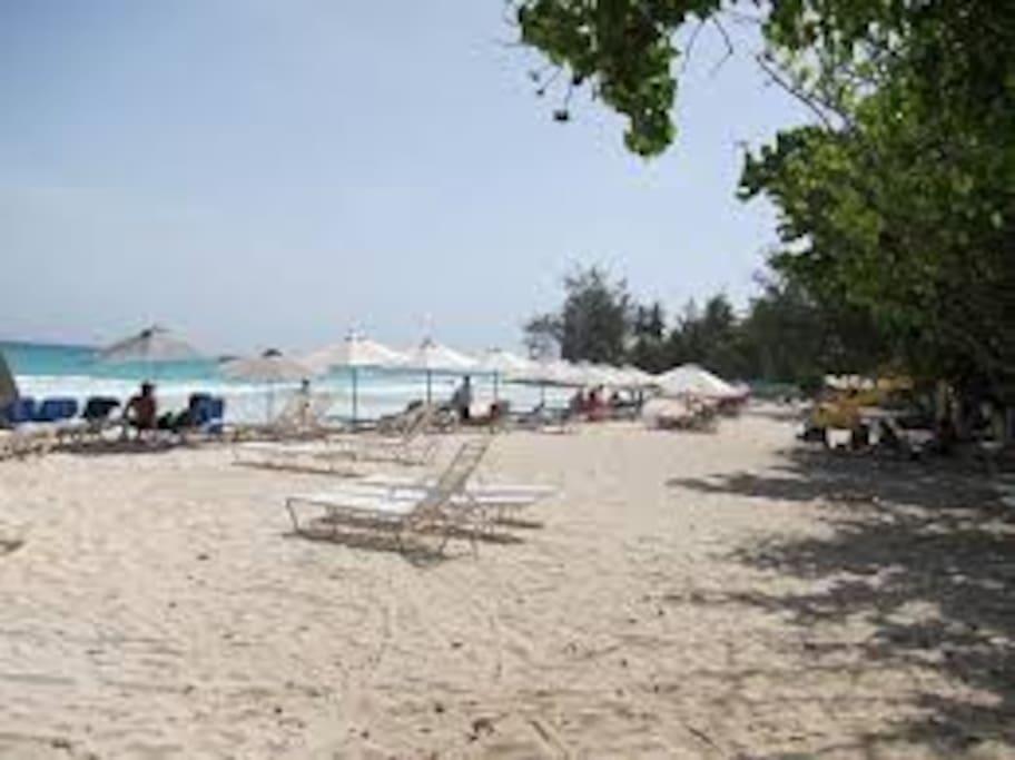Accra Beach - 10 minutes away