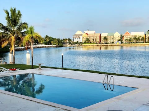Canal front Studio apartment with Beach access