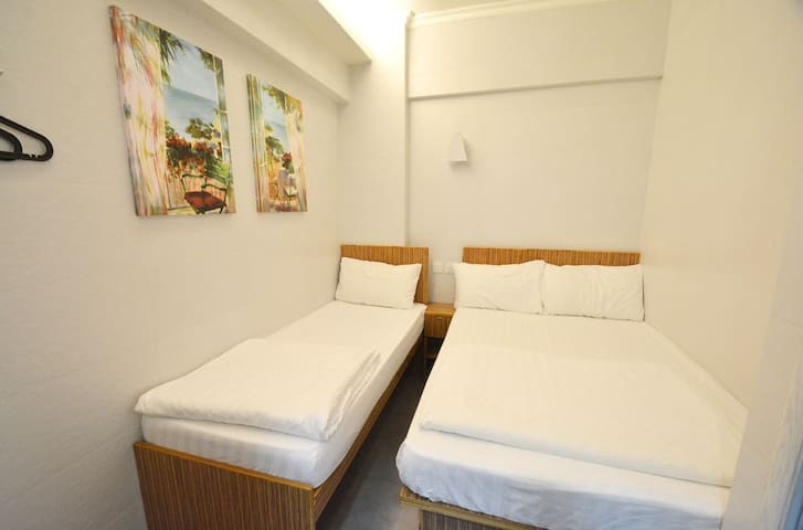 TST Hostel with Licence Private room for 3 ppl