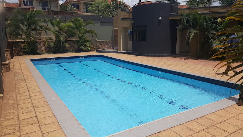 Entire 3 bdrm apt in Kansanga - Kampala - Apartment