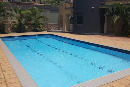 Entire 3 bdrm apt in Kansanga - Kampala - Apartament