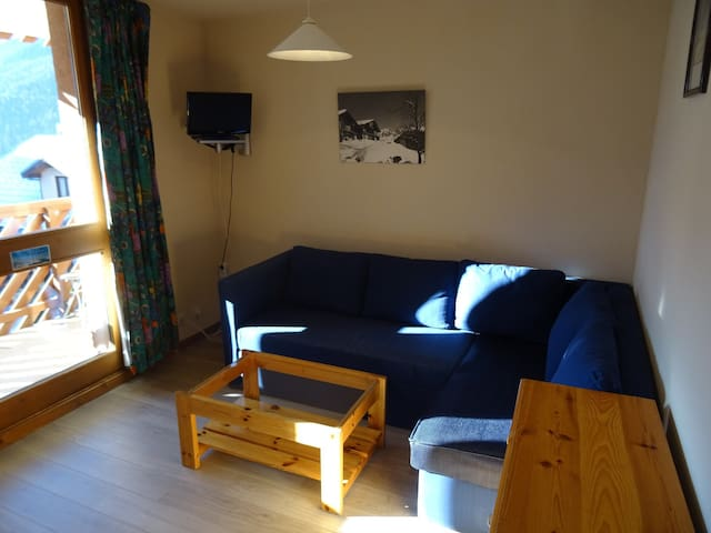 2 rooms apartment or 6 persons in vallandry center close to shops and pistes