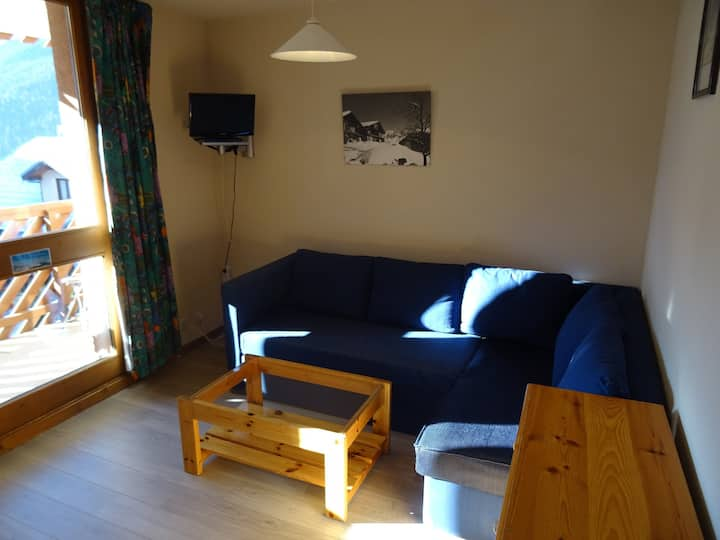2 rooms apartment for 6 persons in vallandry center close to shops and pistes