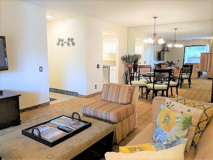 Upscale 2-Bed/2-Bath Condo Prime Location 5-Star