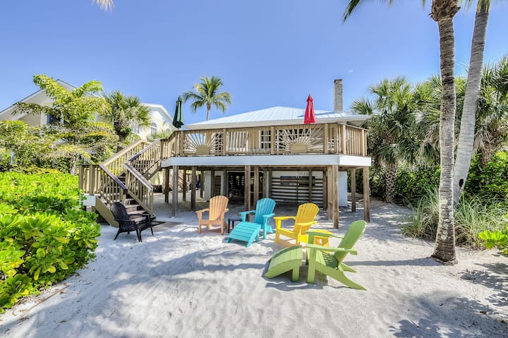 GULF FRONT HOME~ COME ESCAPE AT CROW'S NEST 2BED/2.5BATH! NEW LISTING!