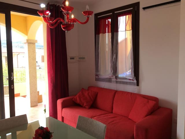 Quiet Holiday Apartment with Air Conditioning & Balcony; Parking Available, Pets Allowed