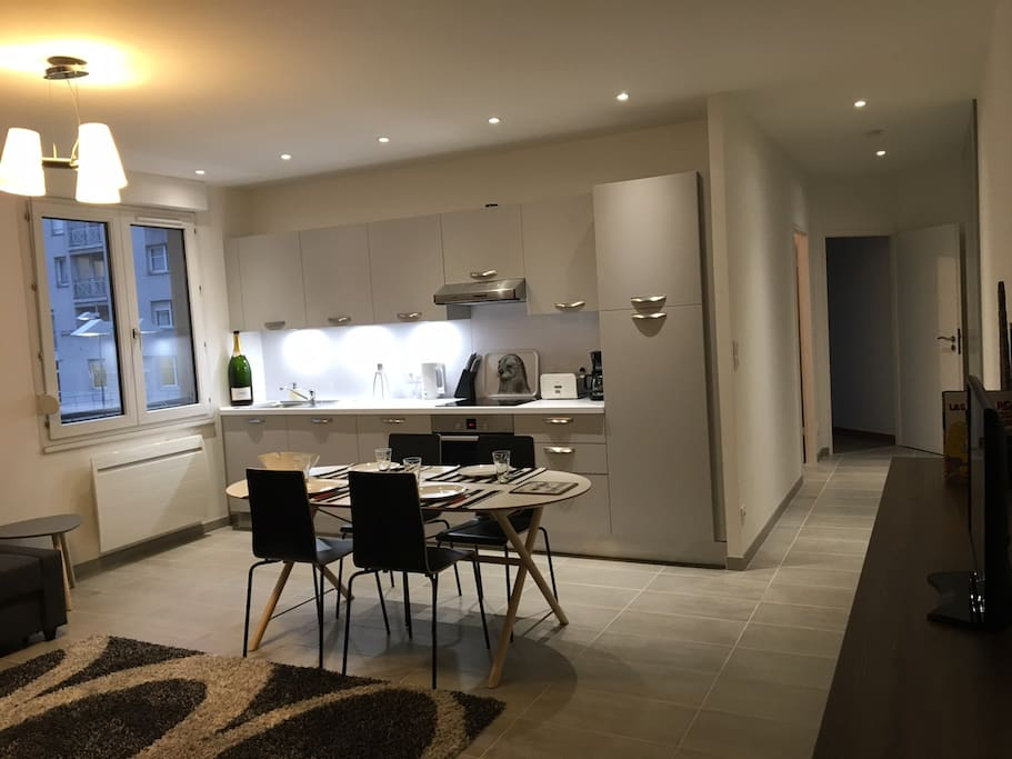 comfortable cozy chill spacious near cathedral apartments for rent in reims grand est france. Black Bedroom Furniture Sets. Home Design Ideas
