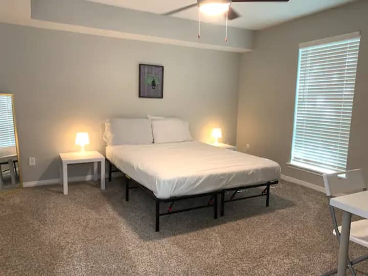 Affordable, Classic 1BD 1BTH of Houston